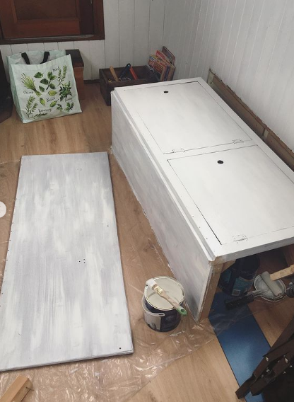 Painting and repurposing a narrowboat sofa